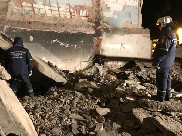 завалы поиски спасатели мчс обрушение стена здание|Фото:Пресс-центр Поисково-спасательной службы Челябинской области