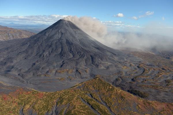 вулкан Карымский Камчатка пепел Фото:Википедия