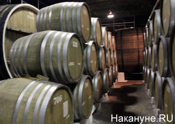 Крым, Севастополь, винный погреб, вино, бочка|Фото: Накануне.RU
